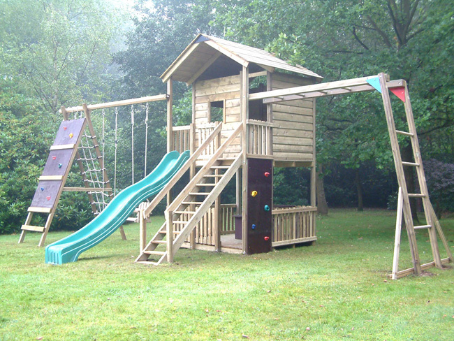 gate lodge wooden climbing frame playcentres uk action tramps. Black Bedroom Furniture Sets. Home Design Ideas