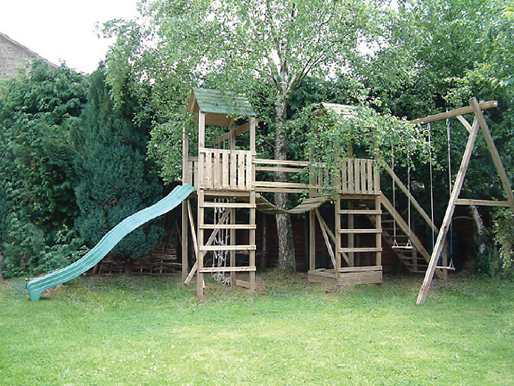 twin arundel wooden climbing frame playcentres uk action tramps. Black Bedroom Furniture Sets. Home Design Ideas